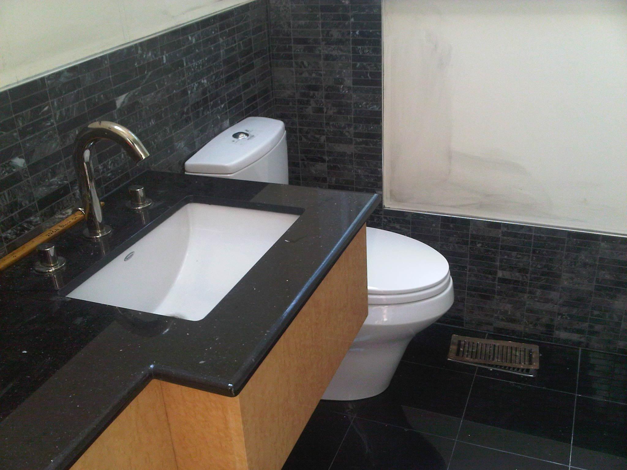 coustom sink and back splash right side
